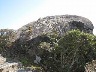 国指定天然記念物 高山磁石石